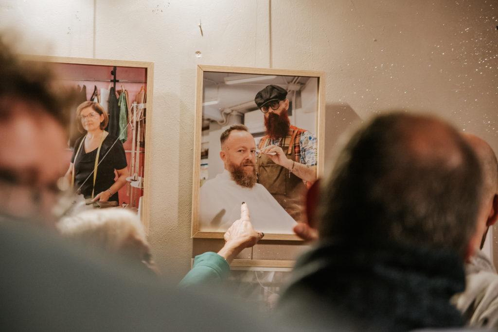 Vista exposición, Miradas, Murcia Inspira, Bar la Bohéme, Murcia, España, Enero 2020